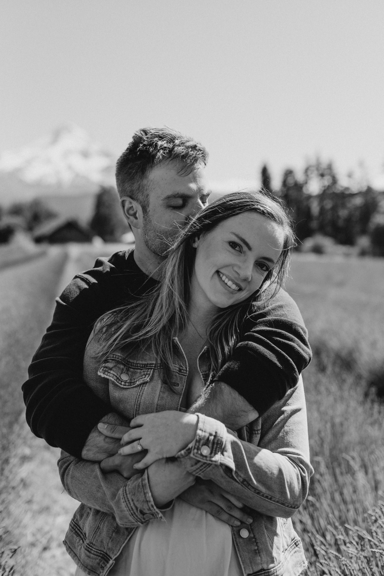 6-Mt-hood-lavender-farms-engagment-couple-summer-7070.jpg