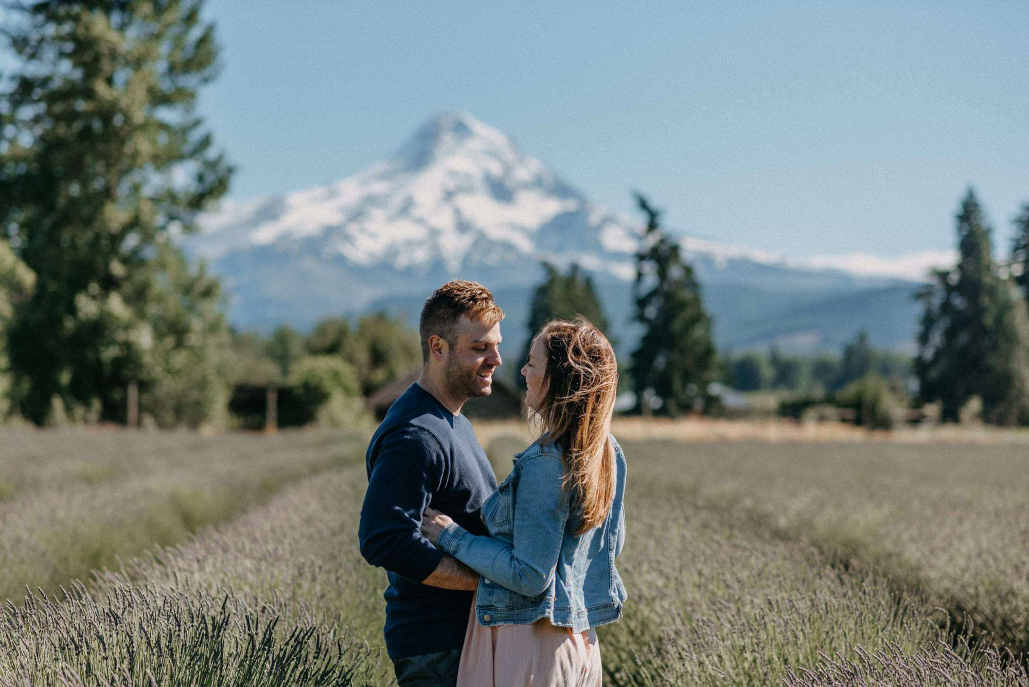 25-Mt-hood-lavender-farms-engagment-couple-summer-7666.jpg