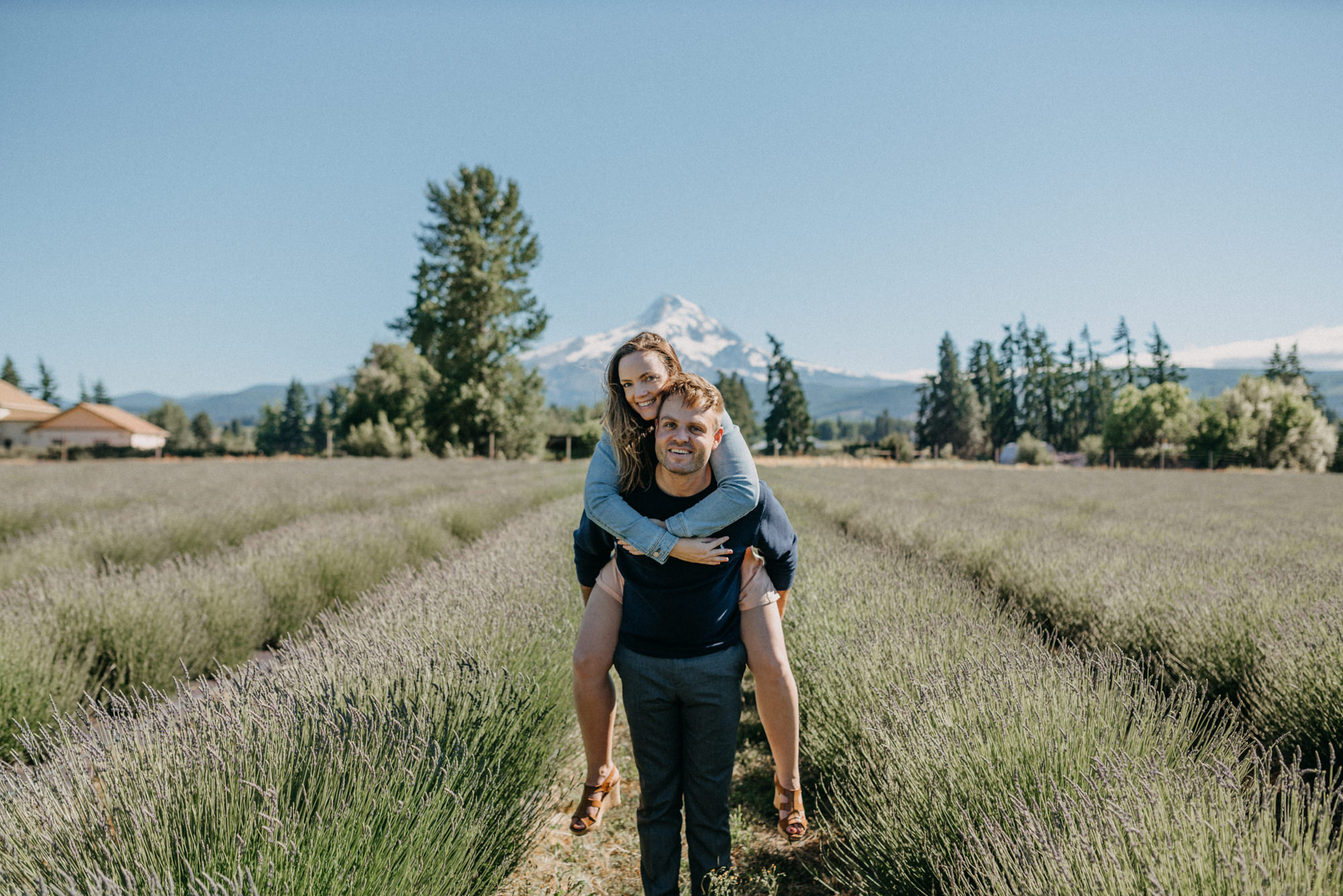 30-Mt-hood-lavender-farms-engagment-couple-summer-7804.jpg