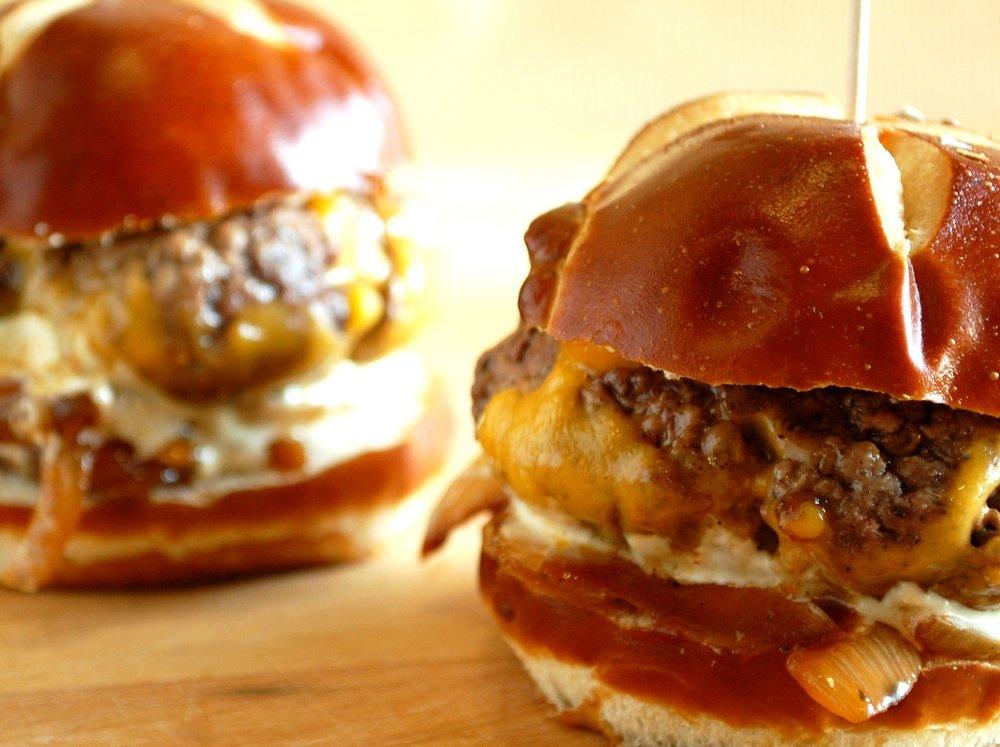 mini cheeseburger.jpg