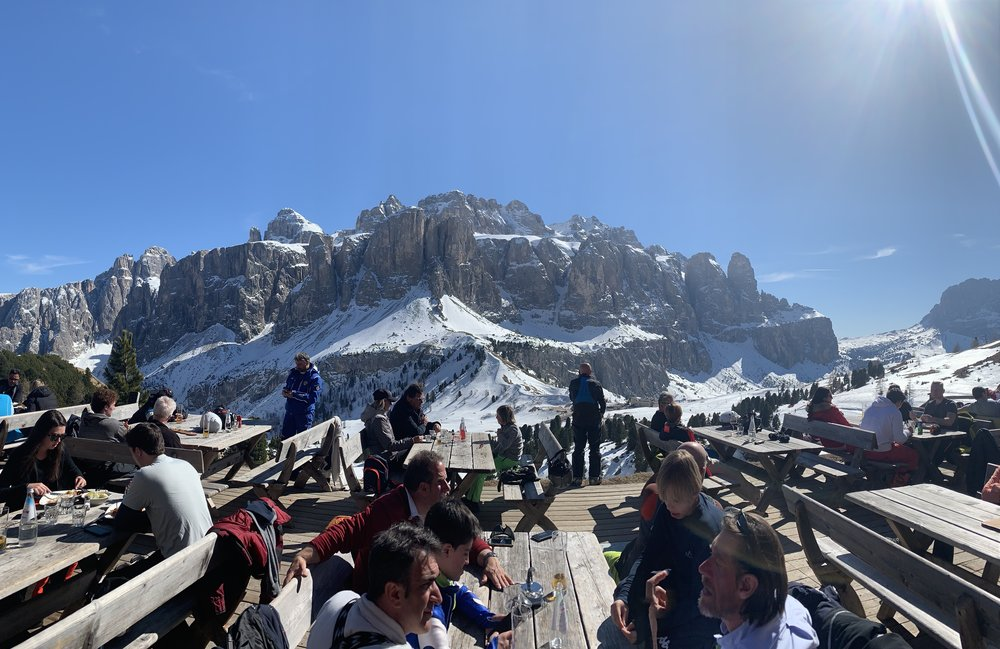 Lunchtime at a mountaintop rifugio.