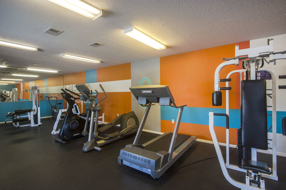 brandon-florida-charleston-landings-apartment-one-bedroom-rental-two-pool-gym