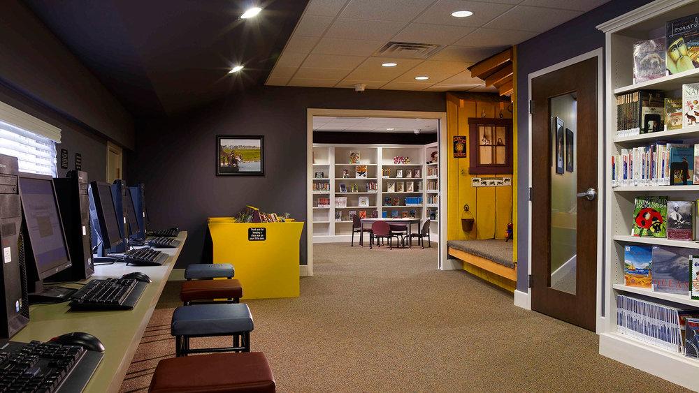 Family-Center-of-Gap-Interior.jpg