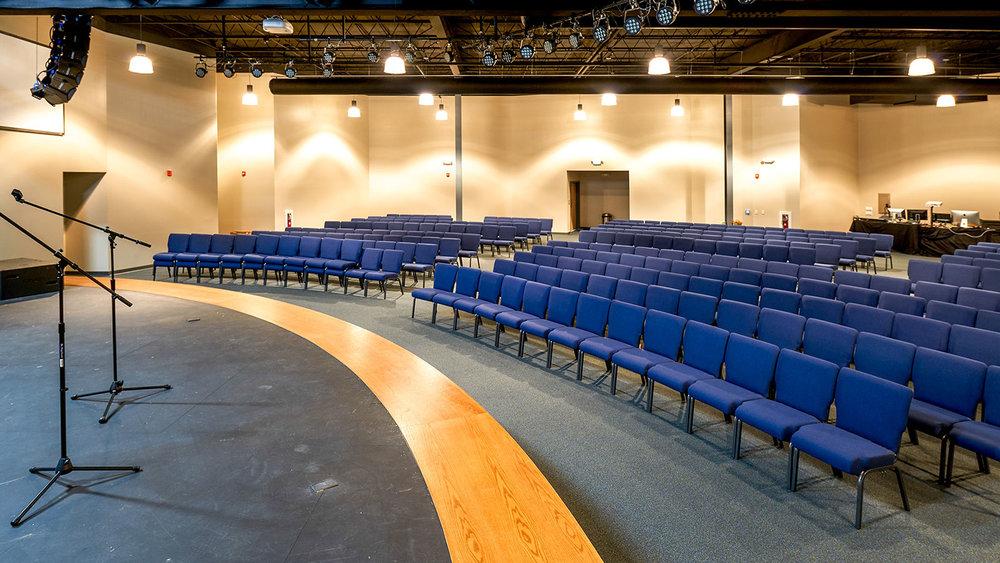 Crossroads-Community-Church-Hampstead-Auditorium-04.jpg