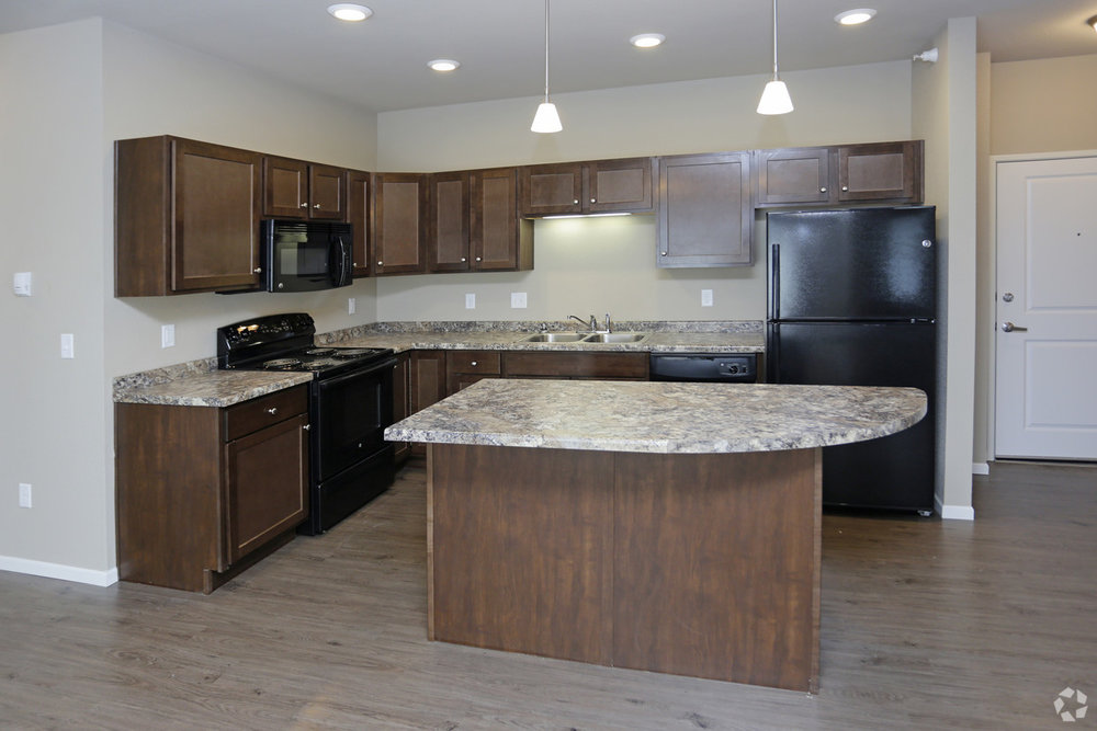 brookledge-at-fox-hills-watford-city-nd-kitchen.jpg