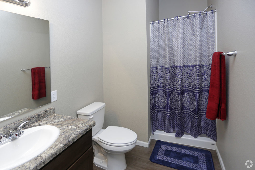 brookledge-at-fox-hills-watford-city-nd-bathroom.jpg