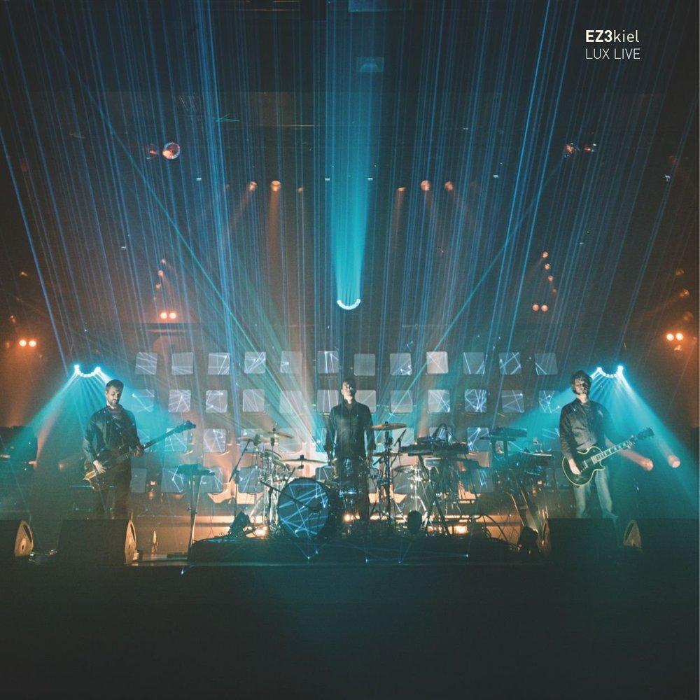 LUX LIVE - → CD/Blue-ray Longbox -EZ3kiel