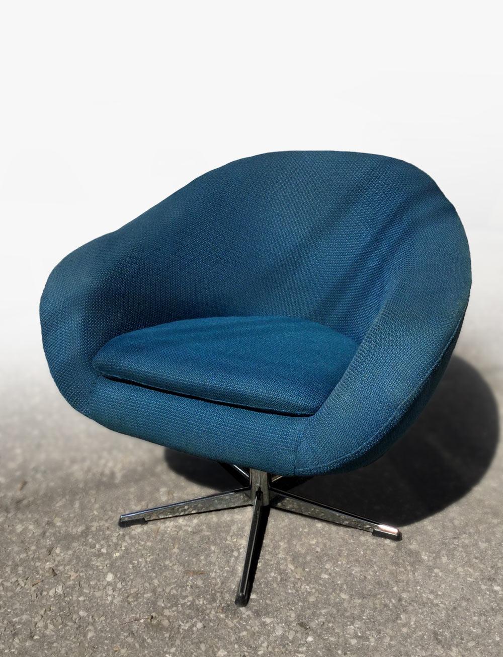 blue_chair.jpg