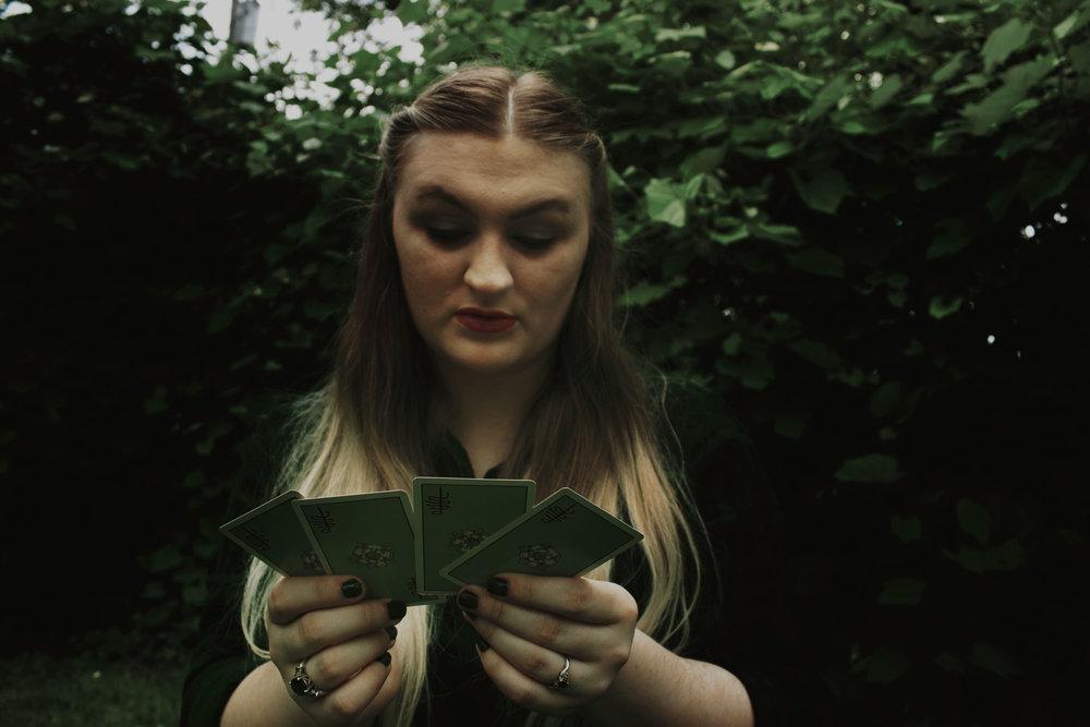 hazygreenroad-kelly-spence-tarot-card-discovery-readings-1