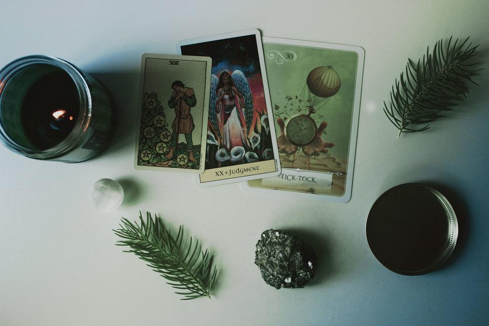 hazygreenroad-kelly-spence-tarot-card-discovery-readings-3