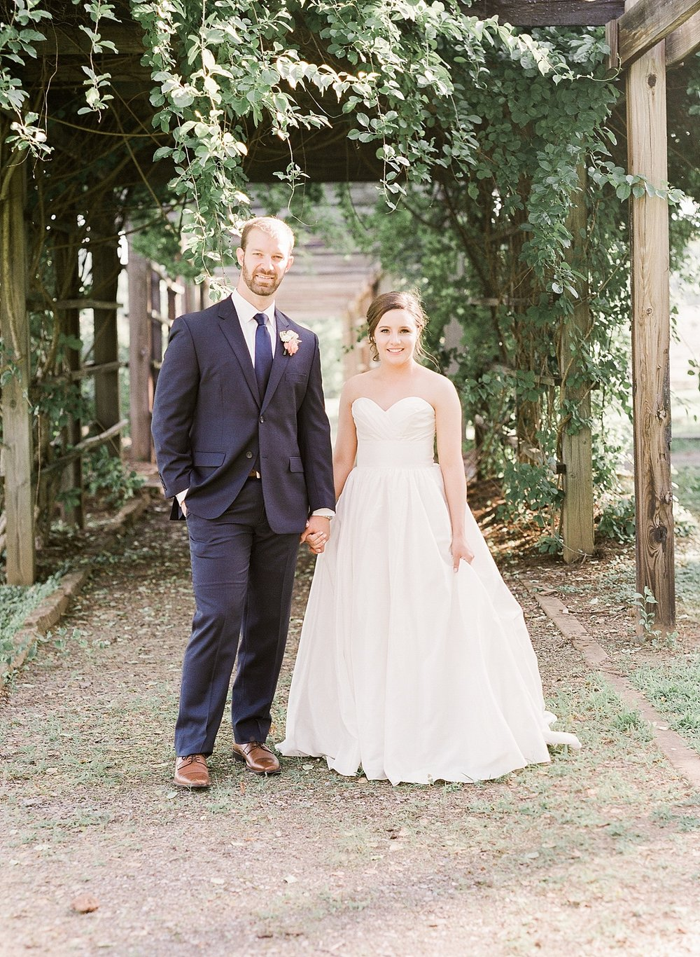 Kimberly Florence Photography_Charlottesville Wedding Photographer_NYC Wedding Photographer_Oak Ridge Estate Wedding_0026.jpg