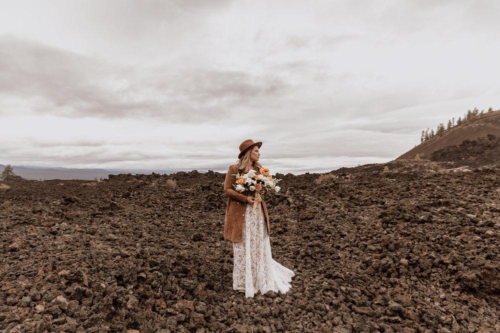 lace-wedding-dress-with-bridal-bethegood