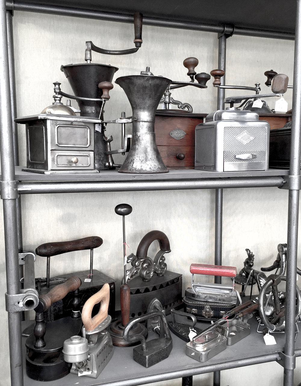 Moulins à café et fers à repasser