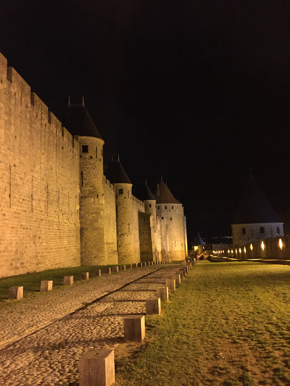 Lices Hautes, in between the two fortified walls