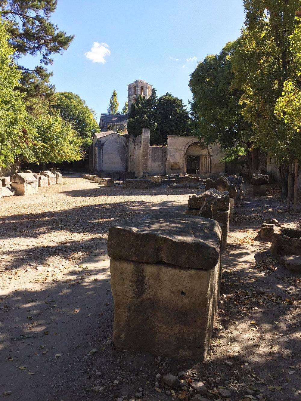 Alley to Saint-Honorat church