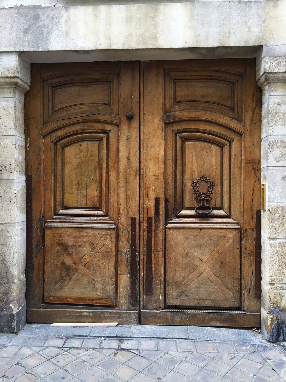 Lots of great doors, and knockers, on rue Charlot