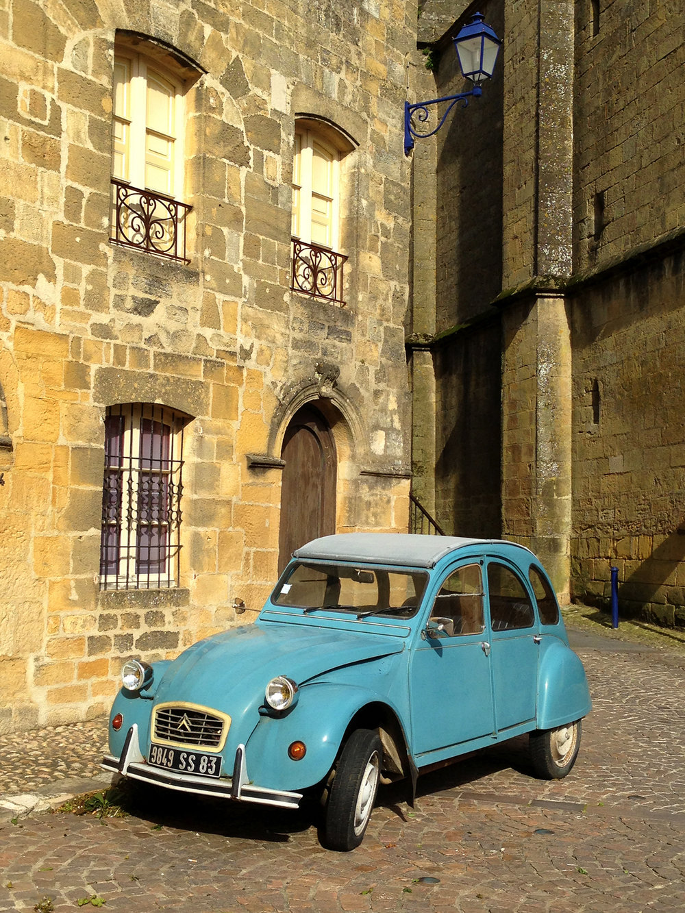 2 CV in Gourdon