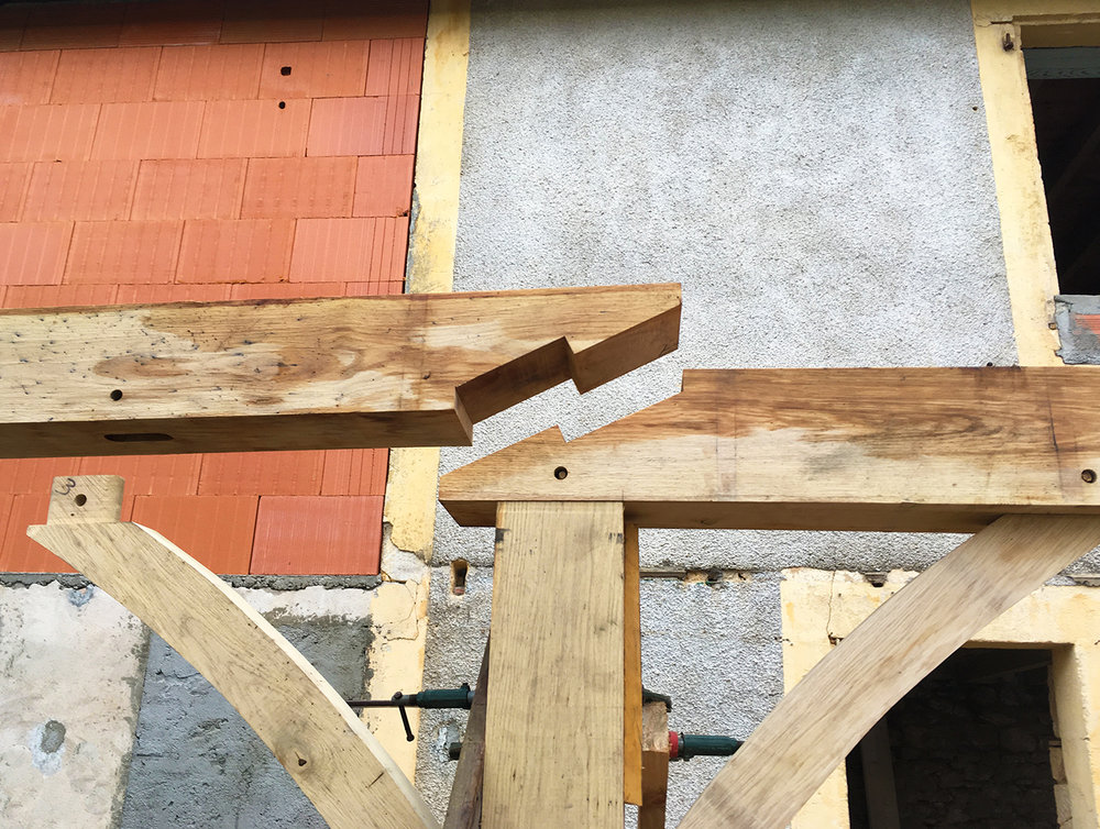Timber frame construction with fitted joints for the porch