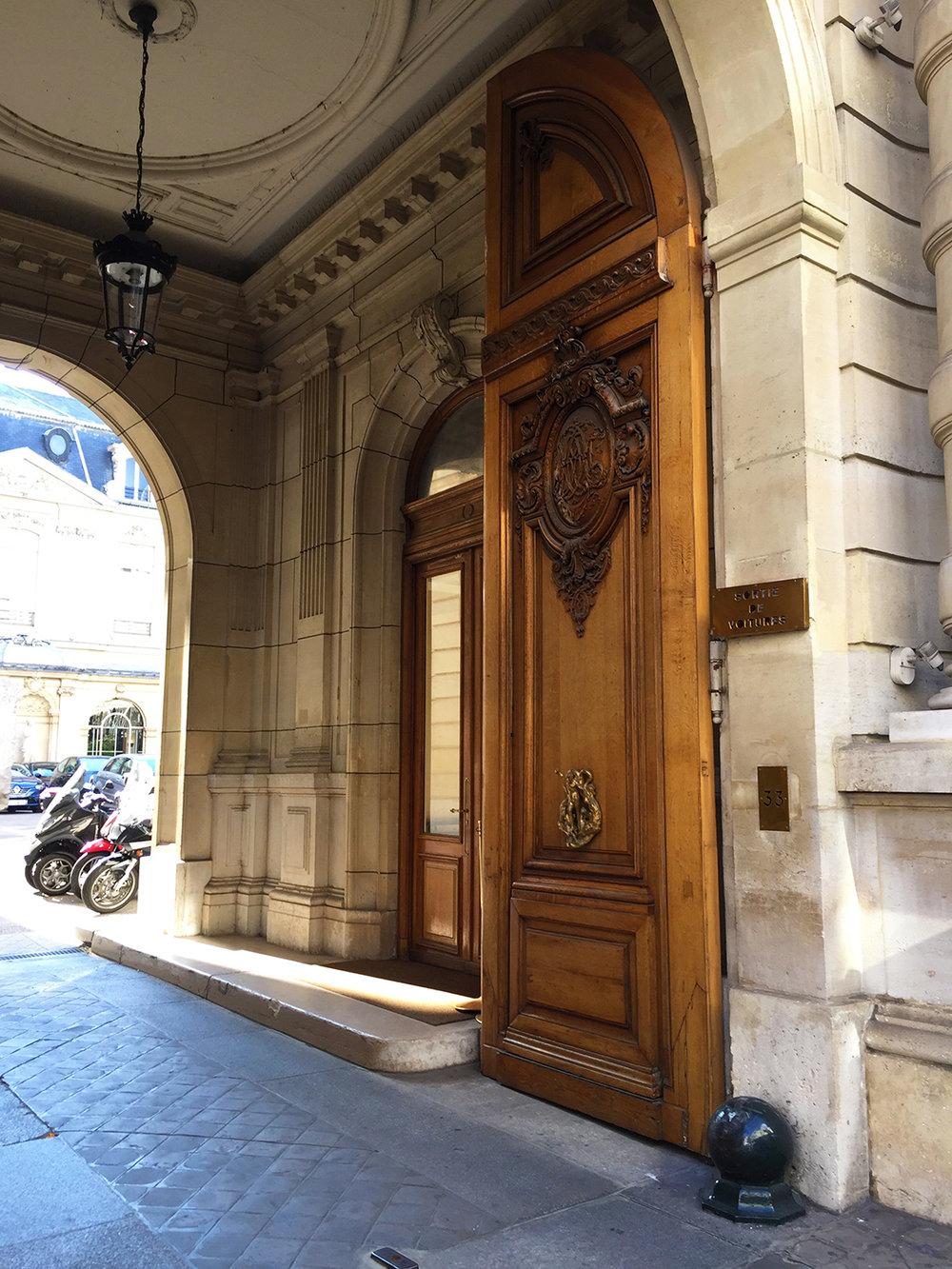 Courtyard entrance, rue du Faubourg Saint-Honoré