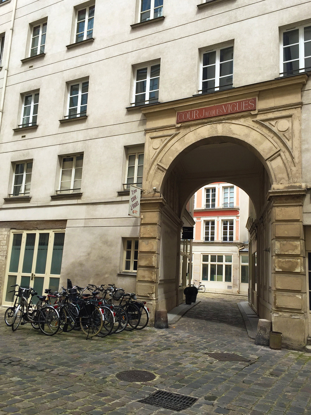 Courtyard entrance in the 12th arrondissement