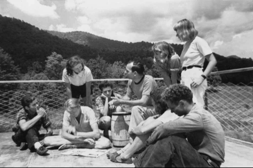 Students and faculty members, Black Mountain College, 1940 (Photo credit: Mary Brett/Black Mountain College Museum + Arts Center Collection)