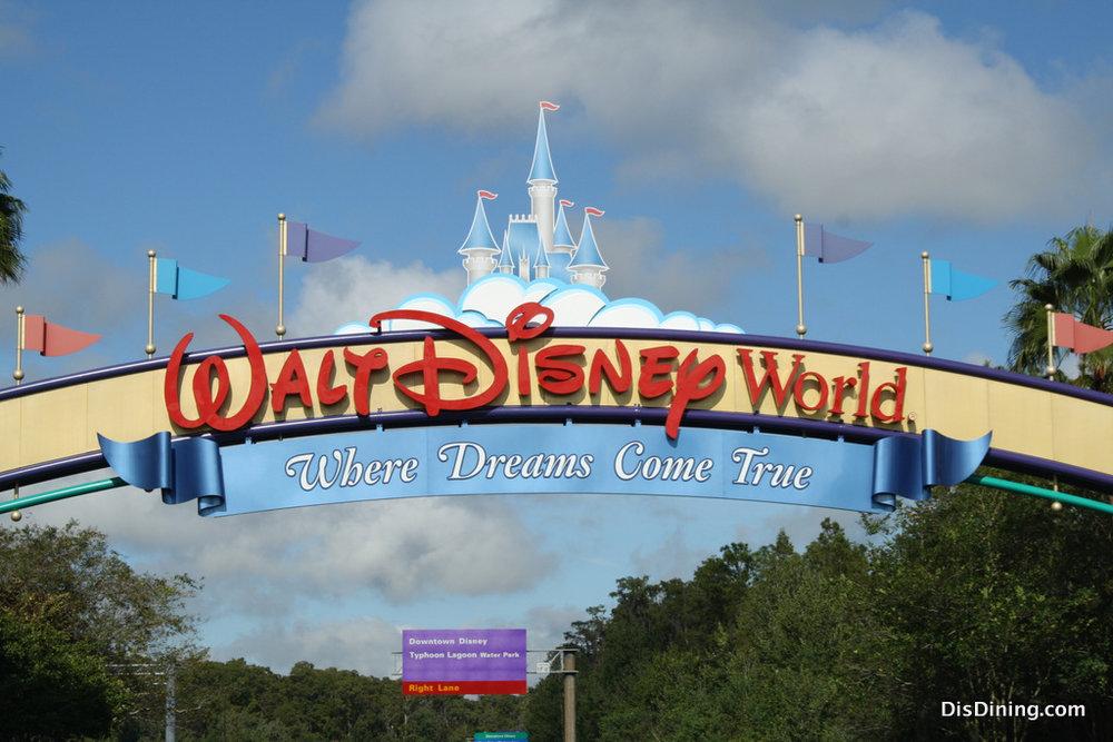 Walt-Disney-World-Sign.jpg