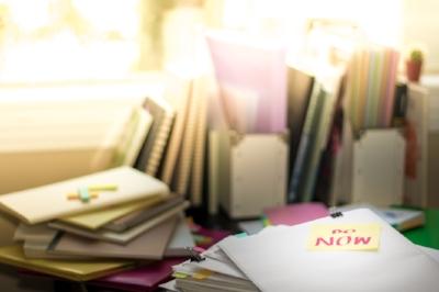messy-desk-Do-Now-5star-ISS_13506_01293.jpg