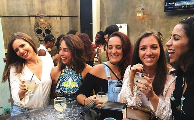 A weekday happy hour means smiles and margaritas all around. What better way to hang out after work than with your besties. Don't forget, on Thursday + Friday we've got happy hour from noon - 7pm! 📷 @stephnardone