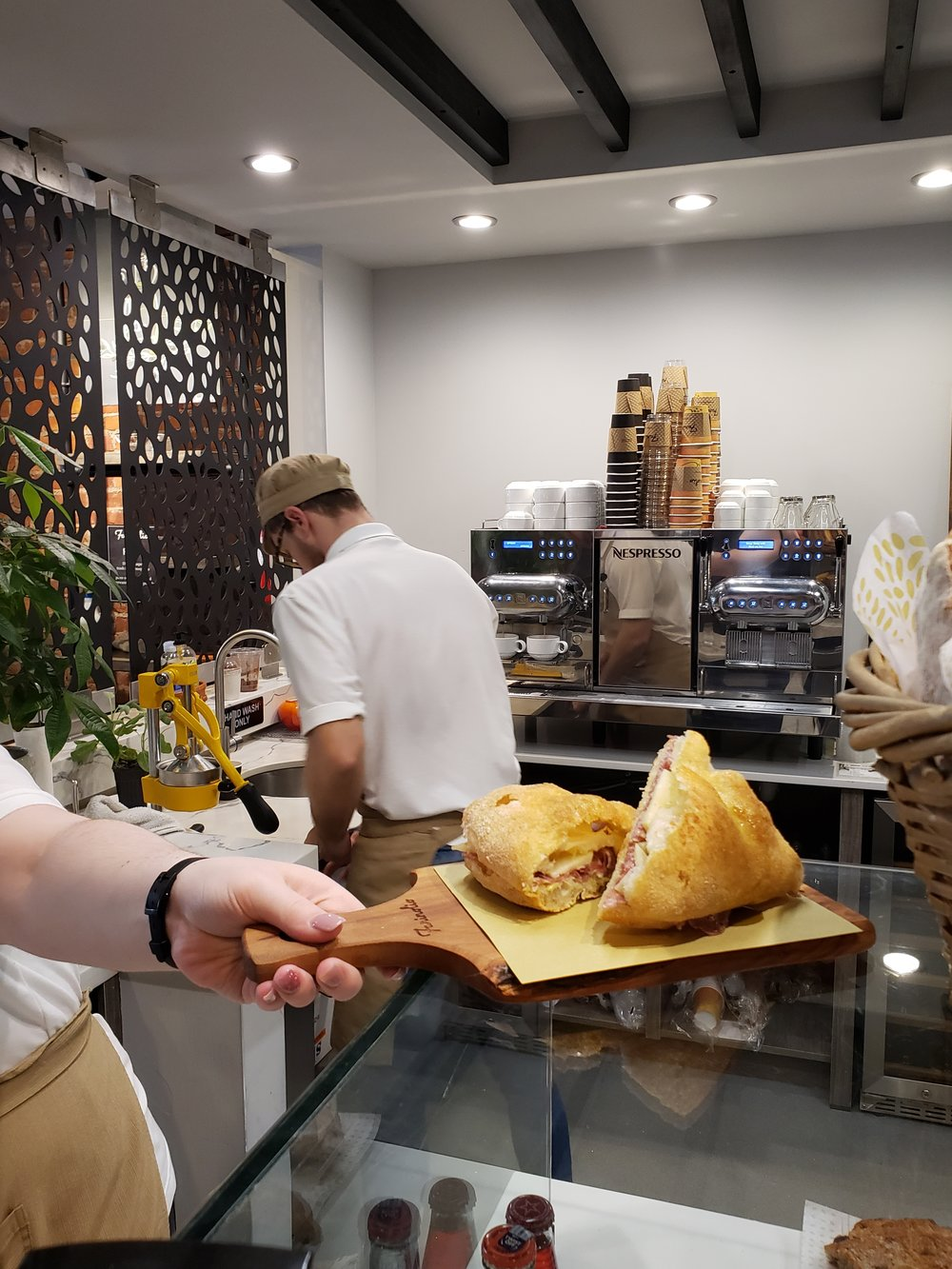 """Farinolio The Simple Taste of Italy Review - """"Next time you take a trip into Westfield, take a brief moment and take a quick step inside of Italy inside of Farinolio"""""""