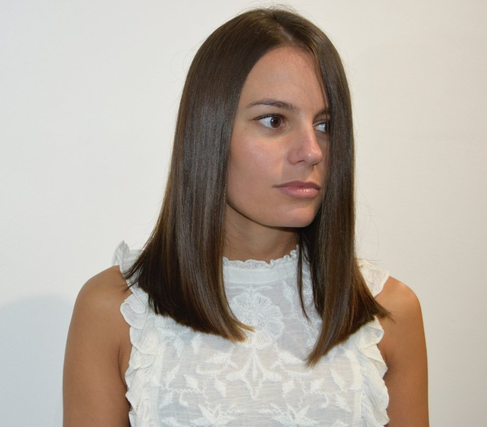 - A blunt lob, is a current effortless style, offering versatile looks for everyday  but still keeping length. Great choice to refresh the hairstyle.