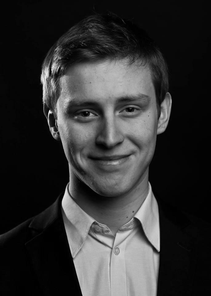 Robertas Lozinskis (piano)