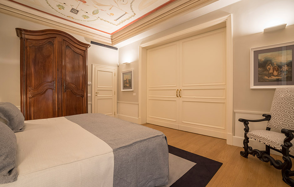 12-Palazzo-Uguccioni-Florence-Italy-property-Solstice-Luxury-Destination-Club.jpg