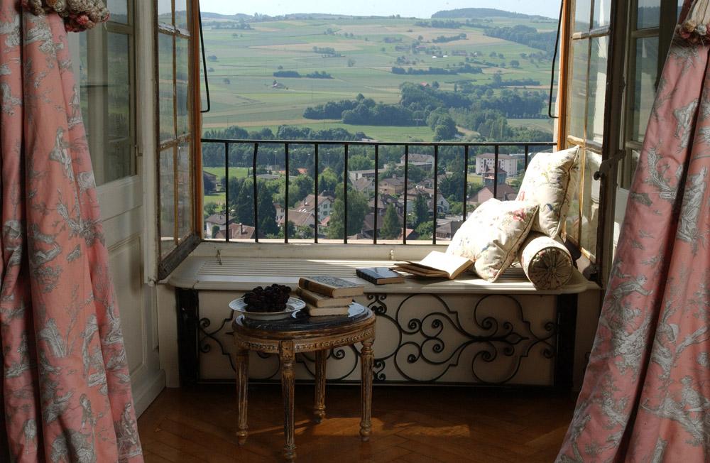 5-Exclusive-Castle-Le-Chateau-de-Lucens-Switzerland-Additional-member-property-Solstice-Luxury-Destination-Club.jpg