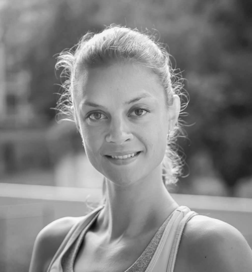 JOËLLE SLEEBOS - I encourage participants to listen to their own body and mind so that they go home with a feeling of outer and inner strength. Correct alignment and execution of exercises and poses is very important to me. I teach Vinyasa, Yoga Sculpt, Suspension yoga and FLY. I speak Dutch, English, French and Italian.