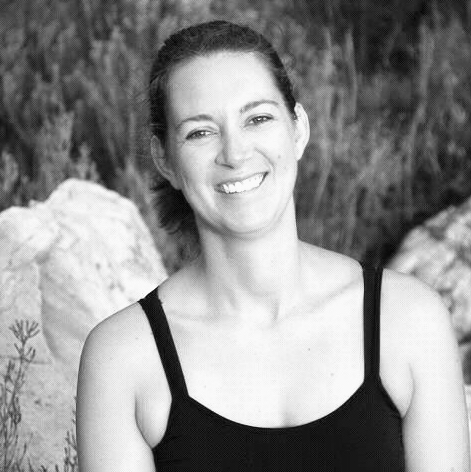 NINA SAACKS - I am here to remind you in a gentle, loving and supported way of the power of your own body, breath and mind. I teach Integral Hatha Yoga and Relaxation. I speak English and German.