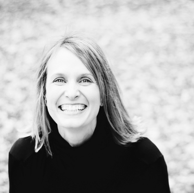 BRIDGETT ERICKSON - I approach yoga as a gentle way to access purpose and power. I teach Meditative yoga with a focus on personal practice and Vinyasa. I speak English.