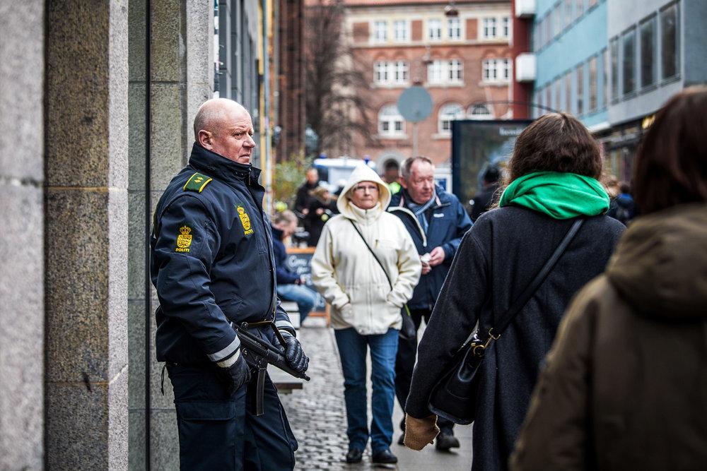 Fredsringen var stærkt bevogtet af politiet