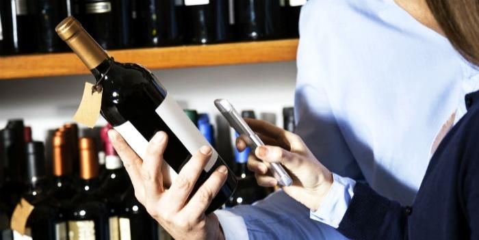 scansione del qr del vino in etichetta