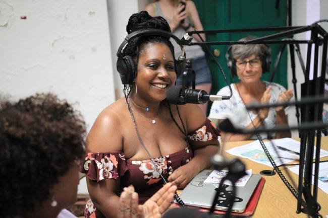 Aziza Kabibi on Radio Vieques