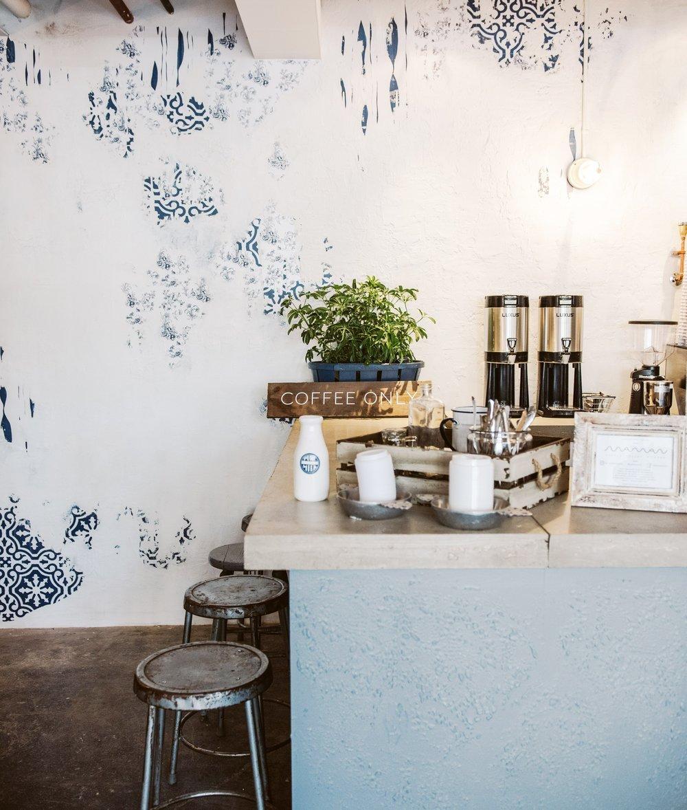 maman+greenpoint+wallpaper+texture+wall.jpeg