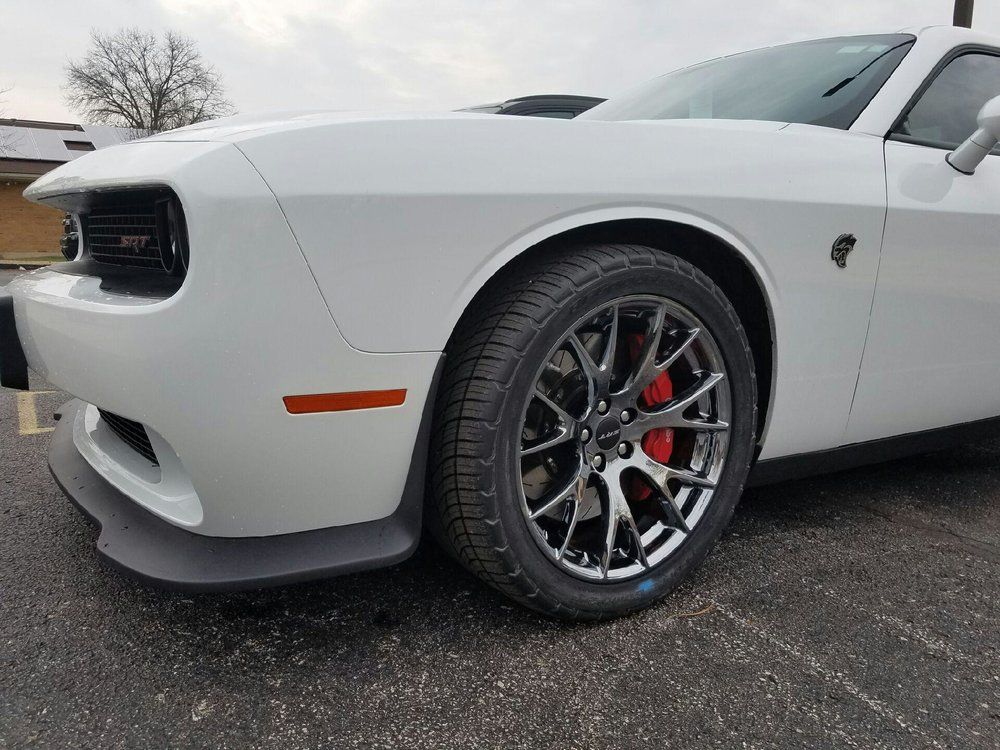 dodge-hellcat-sporting-the-white-and-black-ice-look_33014674296_o.jpg