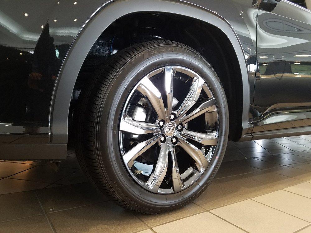 black-rx-black-ice-20-inch-wheel-close-up_25350370309_o.jpg