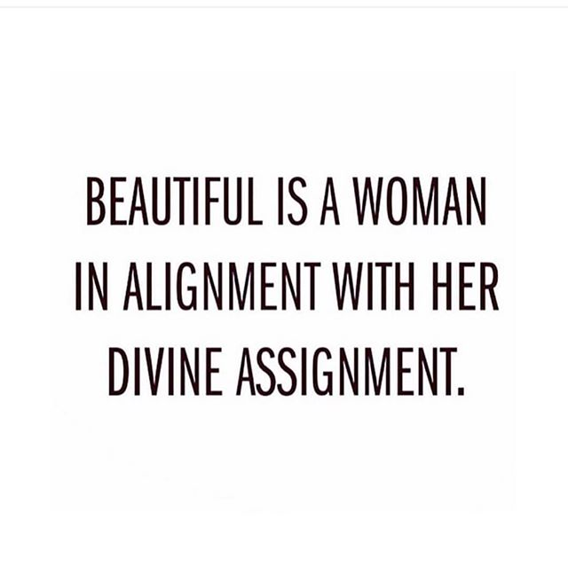 Yessss! When you are in alignment with what you are meant to be doing you can't help but be beautiful 🙌🏻#lightandlotus #divineguidance #mondaymotivation #risesisterrise