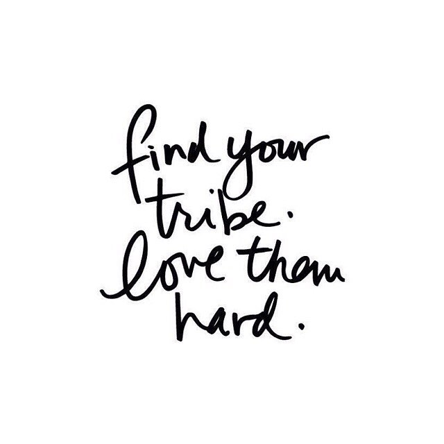 Have you found your tribe? Your sisterhood of like minded women who get you? Today I'm off to Seattle for the wedding of @carley_schweet who I met HERE on insta and who is part of my lightandlotus oil tribe! We are waiting to welcome you into this sisterhood! Dm me to learn more 💖 #lightandlotus #selfcaresaturday #goodvibetribe