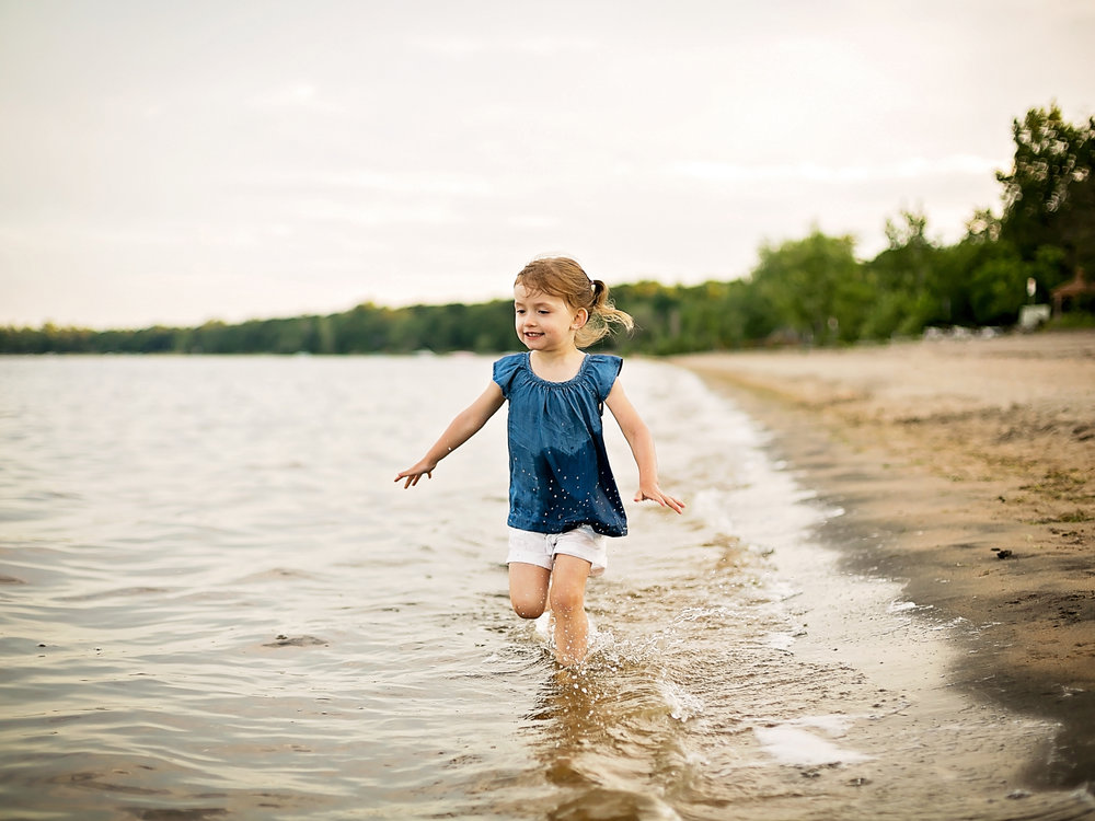 Constance-Bay-Beach-Summer-Family-Session-Ottawa-Family-Photographer_2131.jpg