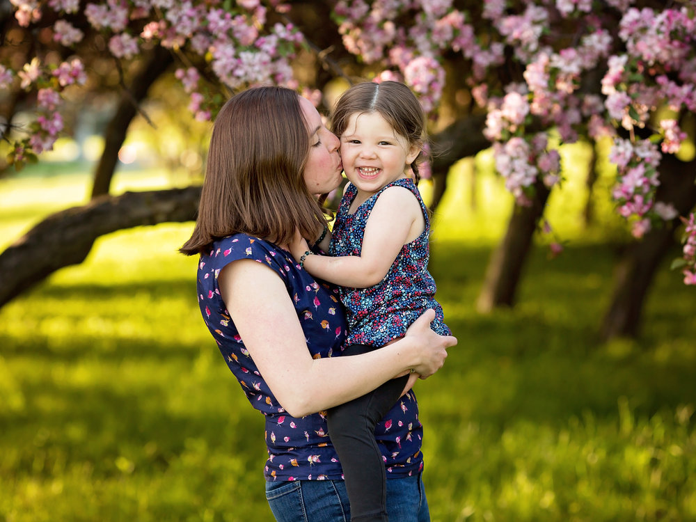 Featured Session - Spring Blossom Session in Ottawa, Ontario