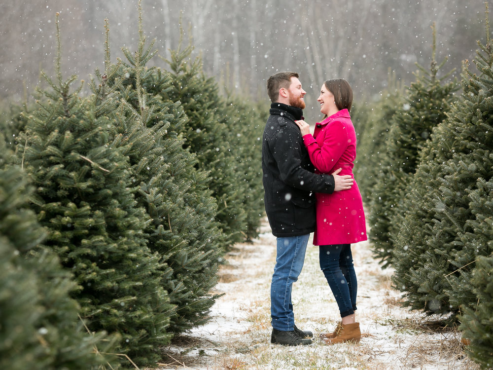 Sara-Chris-Winter-Engagement-Session-20.jpg