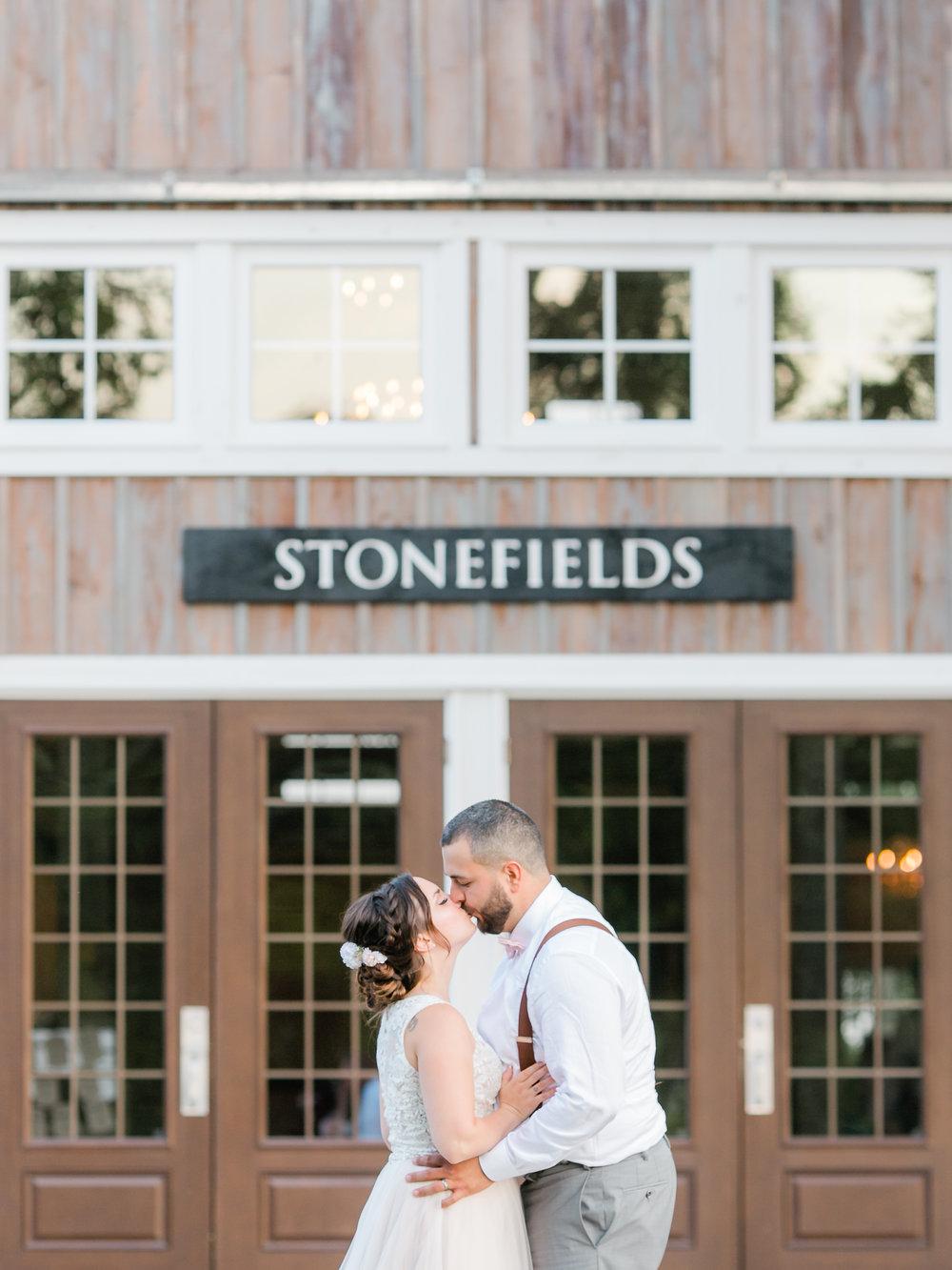 MikaelaShane_StonefieldsEstateOttawa_StephanieMasonPhotography-428.jpg