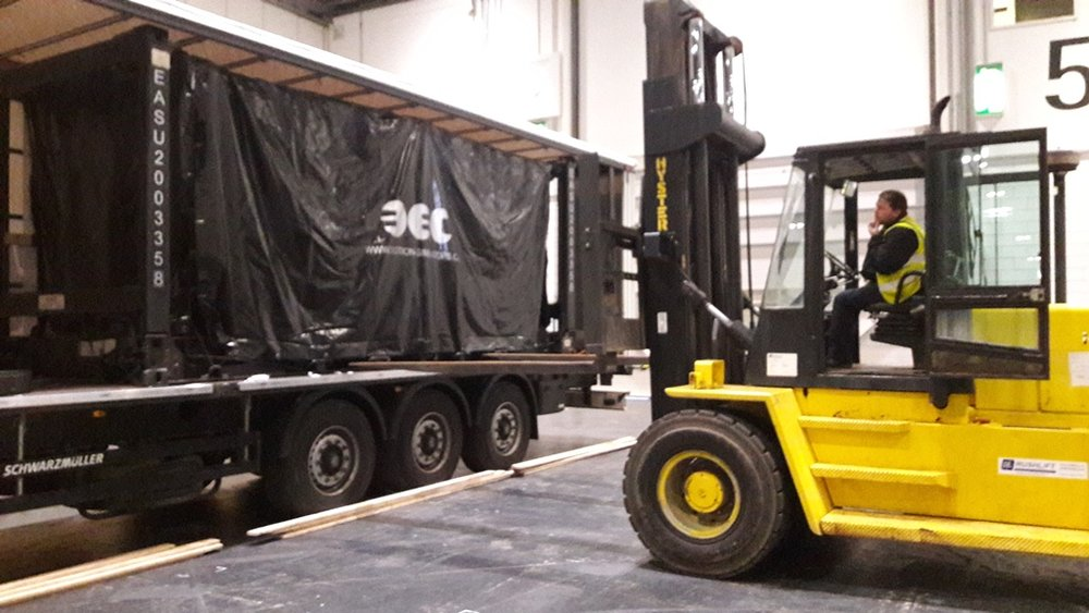 Mobile Ride System in sea-freight container