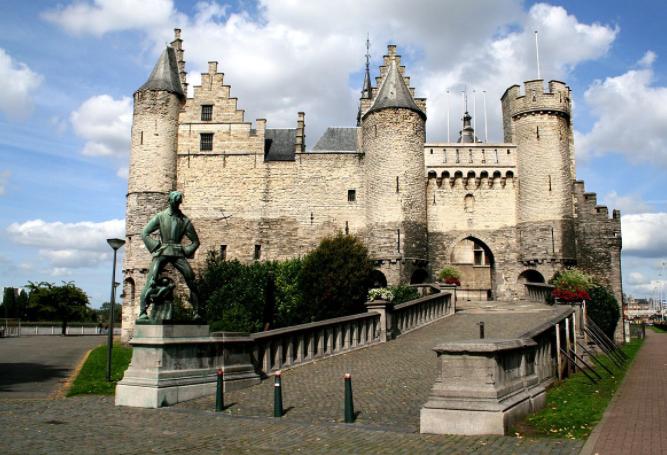 Image Source: Wikipedia // Het Steen